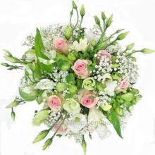 Букет из роз, альстромерий, эустом и гипсофилы