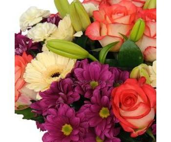 Букет из роз, хризантем, лилий, гербер и звоздик