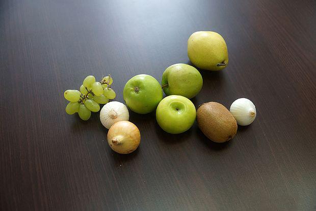 Букет с цветами и фруктами своими руками фото