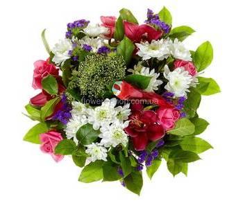 Сборный букет с розами, хризантемами, орхидеями цимбидиум