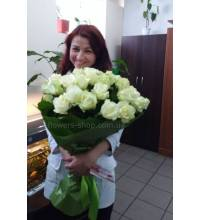 Bouquet of white roses with delivery to work