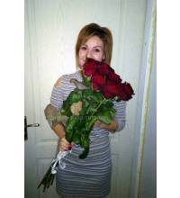 Bouquet of imported roses delivered to Uzhgorod