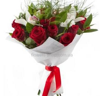 Букет из роз, орхидей цимбидиум и хризантем