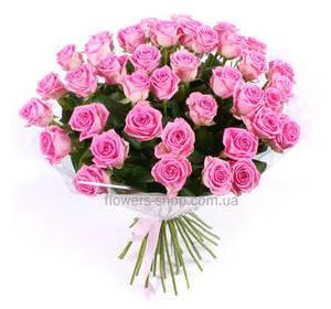 Букет из розовых роз, в декоративной упаковке
