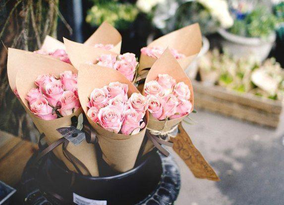 небольшие букеты цветов