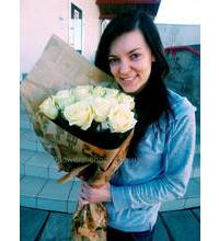 Bouquet of white roses delivered in the shortest possible time in Kremenchuk