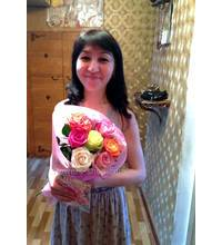 Mix of roses with delivery to Brovary