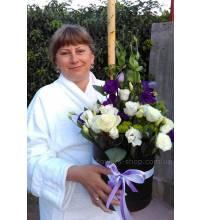Коробочка с цветами доставлена в Киеве