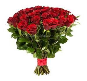 Букет из красных импортных роз