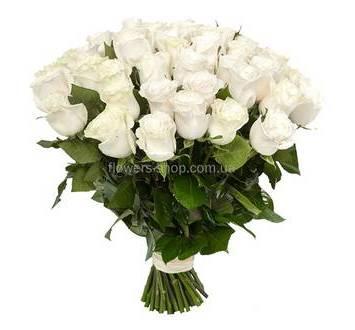 Белые импортные розы