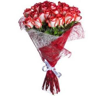 Букет из роз Блаш в декоративной упаковке