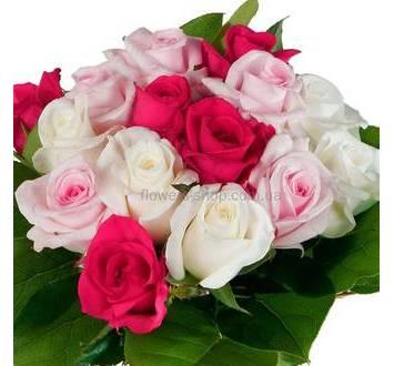 Букет из импортных роз и салала