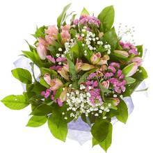 Букет с тюльпанами, альстромериями и гипсофилой
