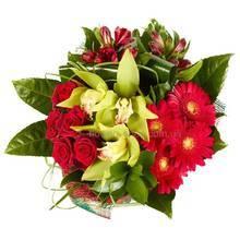Букет из роз, орхидей, альстромерий, гербер и зелени