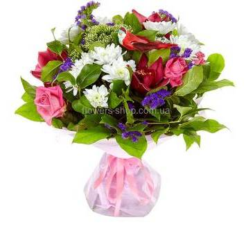 Букет из роз, хризантем, орхидей, трахелиума и статицы