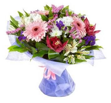 Букет из хризантем, гербер, альстромерий и орхидей