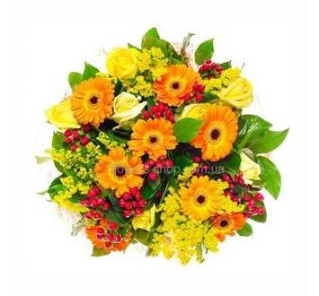 Букет из желтых цветов - гербер, роз, солидаго
