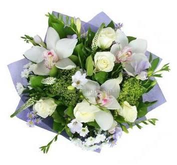 Букет из роз, орхидей, хризантем, вероники и фрезий