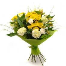 Букет из хризантем, гвоздик и альстромерий