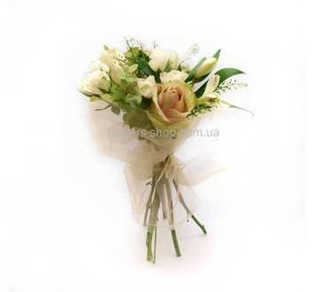Розы талея и эустомы