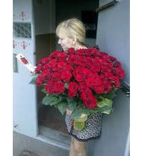 Bouquet of 101 red roses delivered in Melitopol