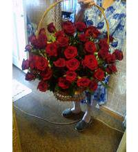 Basket with red roses Prestige with order