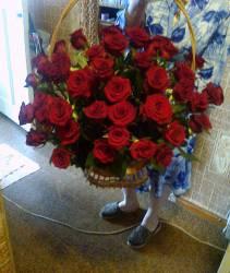 Корзина из красных роз Престиж под заказ