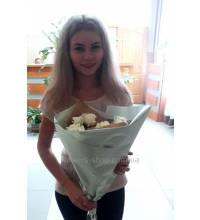 Букет белых роз доставлен в Запорожье
