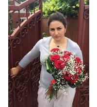 Букет красных роз для прекрасной девушки