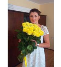 Yellow roses delivered to Mariupol