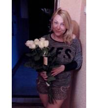 White roses delivered in Melitopol