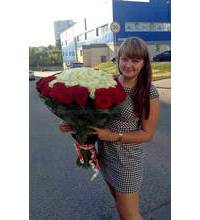 The delivery of a bouquet of roses in Kotovsk