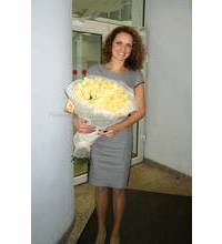 Bouquet of roses in Lysychansk