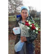 Flowers and chocolates delivered to Lviv