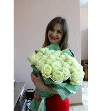 Bouquet of white roses delivered to Energodar