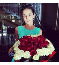 Bouquet of roses-heart delivery in Dneprodzerzhinsk