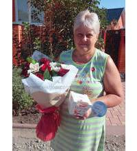 Delivery to Lviv congratulatory bouquet and chocolates