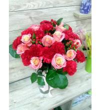 Збірний букет з трояндами доставлений у Львові
