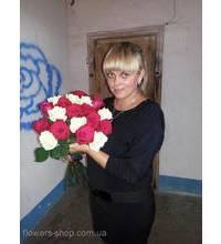Девушка из Александрии с розами