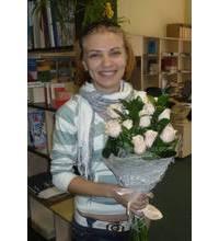 Девушка с букетом роз сотра Талея