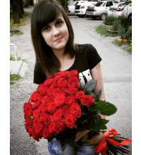 Девушка с букетом роз Гран При - фото