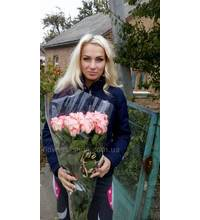 Bouquet of roses express delivery in Sumy