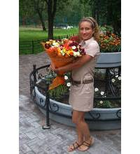 Courier delivery bouquet in Sumy