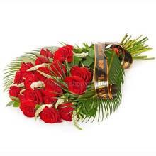 Букет из красных роз, феникса и вероники