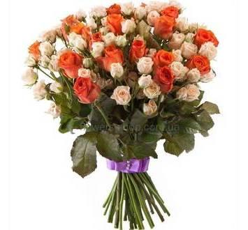 Сборный букет из разных сортов роз