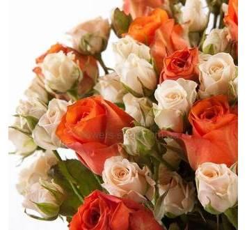 Букет из веточных и однобутонных роз
