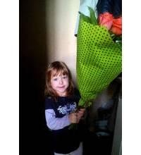 Розы Вау доставлены маленькой получательнице из Ровно
