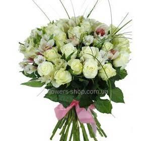 Букет из роз, альстромерий и орхидей