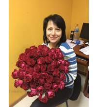 Круглый букет из 51 розы курьерской доставкой