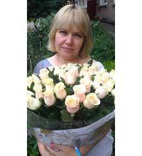 A bouquet of roses Thale delivered to the Zheltie Vodi